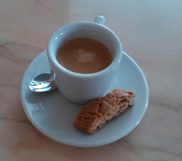 Espresso mit Cantuccini